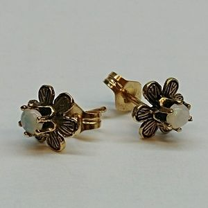 14k Gold Opal Flower Earrings